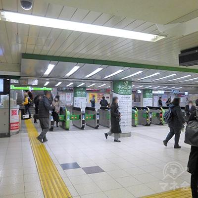 JR池袋駅の中央改札です。西口(東武)に向かいます。