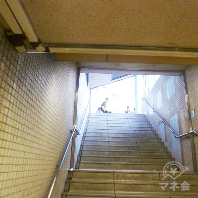 10番出口から地上に出ます。