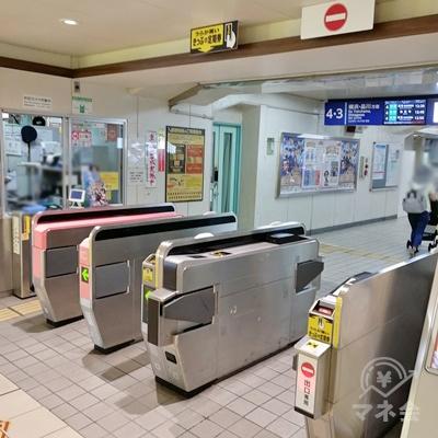 京浜急行京急久里浜駅の改札です。