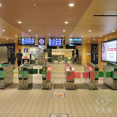 西鉄大牟田線大橋駅(駅事務所がある)改札を出ます。