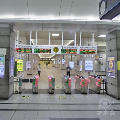 東武スカイツリーライン越谷駅改札を出ます。