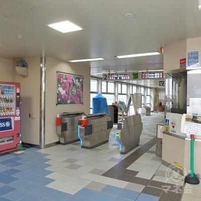 沖縄都市モノレール線(ゆいレール)市立病院前駅の改札口です。