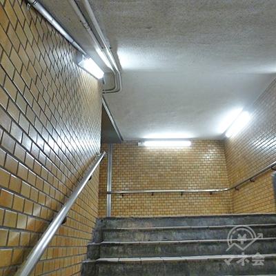 21番出口への階段です。