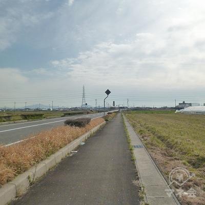 ガードを抜けたら、道なりに2.0kmほど歩きます。