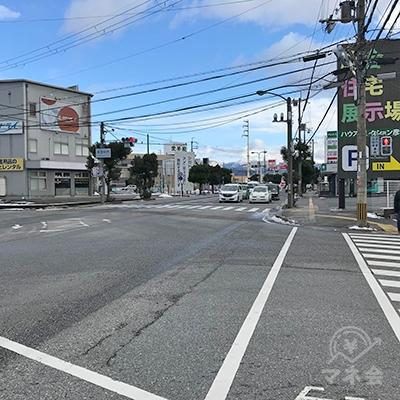 VivaCityを通過し、高宮町西という交差点を渡ります。
