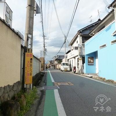 奈良県道203号に入り、しばらくこの道を直進します。
