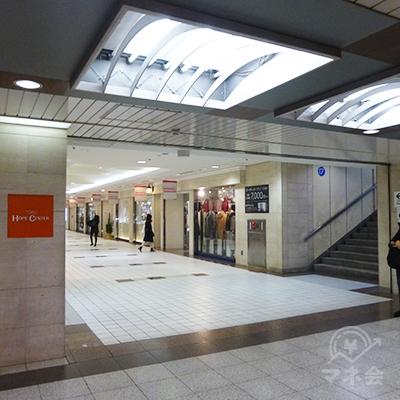 東武ホープセンター入口です。左折して入ります。