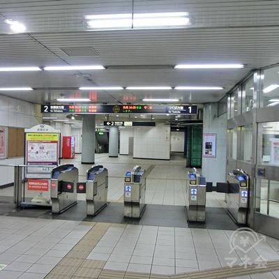 つくばエクスプレス線青井駅改札を出ます。