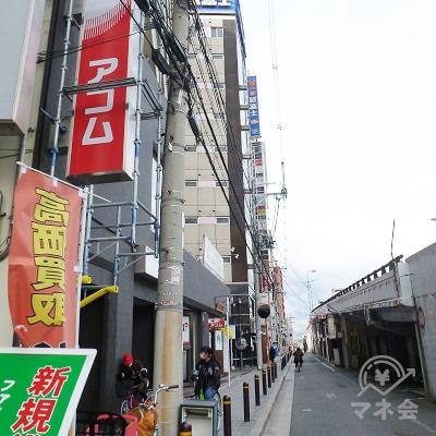 店舗に到着します。横断歩道から60mほどの距離です。