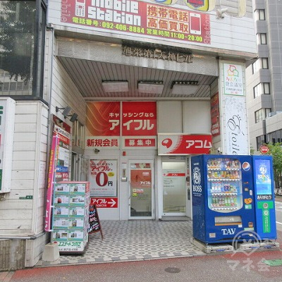 昭和通り側からの1階の様子です。