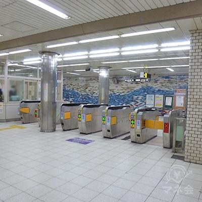 大阪メトロ御堂筋線、北花田駅の改札口です(1ヶ所のみ)