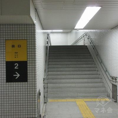 階段を上がります。