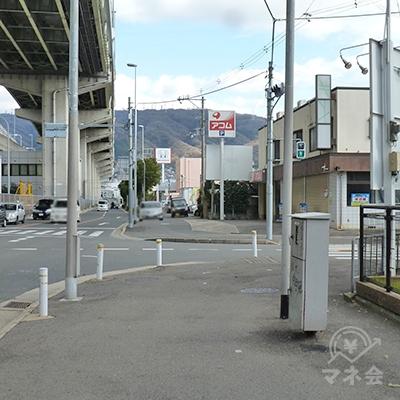 2つ目の信号「水走」交差点手前でアコムの看板が見えてきます。