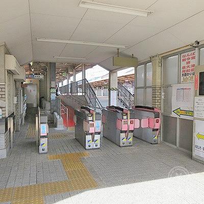 南海本線、蛸地蔵駅改札を出て駅外に出ます。
