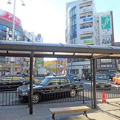 駅前ロータリーのある南口です。