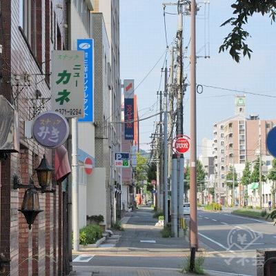 福岡銀行を超えたあたりからプロミスの看板が確認できます。