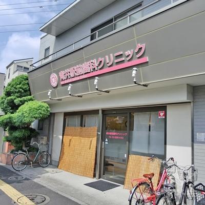 右手に青井駅前歯科クリニックがあるので通り過ぎます。