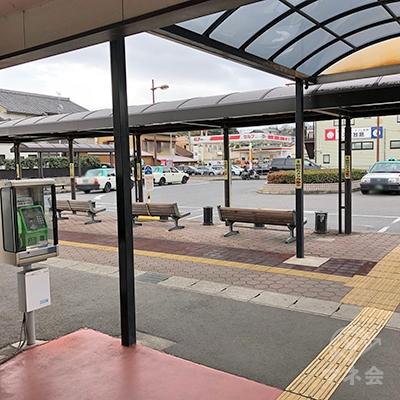 名鉄河内線の阿久比駅を出たら左方向へ進みます。