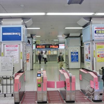 東武スカイツリーライン草加駅改札を出ます。