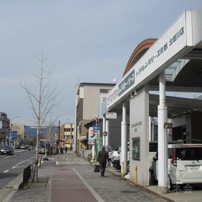 途中、トヨタレンタリース京都 北堀川店を通過します。