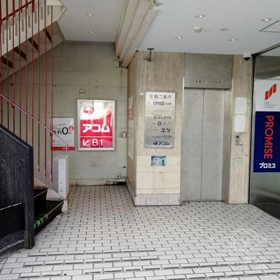 建物の入口です。