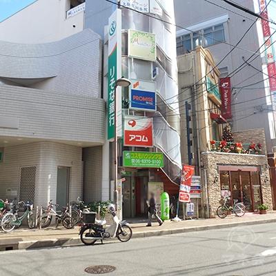 そこで、既に店舗が見えてますが、横断歩道まで迂回します。
