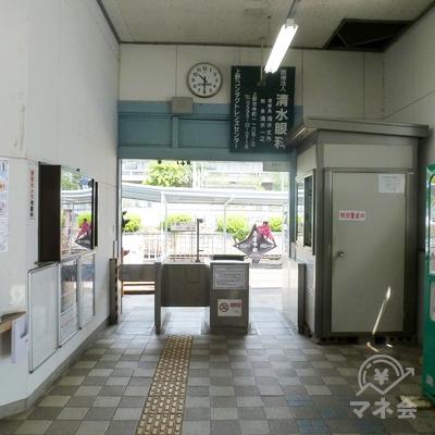 伊賀鉄道伊賀線・上野市駅の改札(1ヶ所のみ)です。