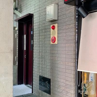 入り口奥のエレベーターで3Fへ。