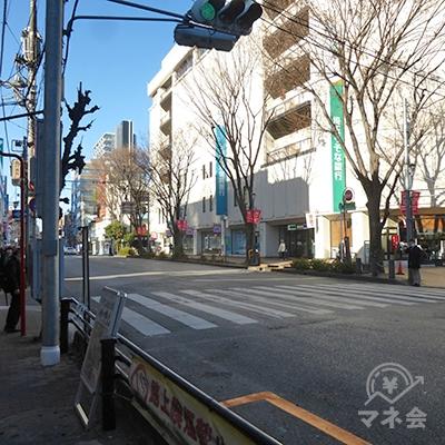 信号を渡ってコルソ(埼玉りそな銀行)側に回ります。