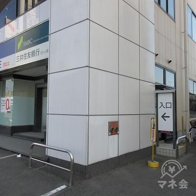 建物の左の状況です。