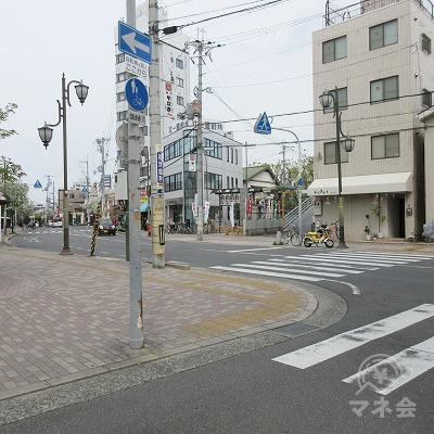 横断歩道(八坂神社側へ)渡ります。