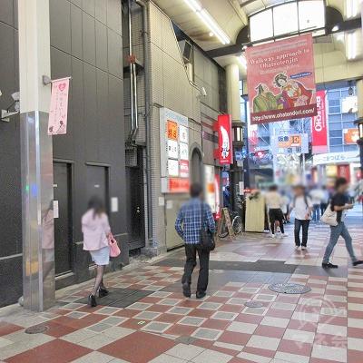 曽根崎お初天神通りのアーケイド終点。