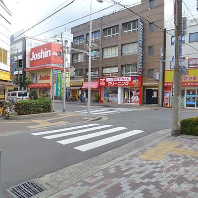 「針中野駅前南」交差点まで来たら、左の横断歩道を渡ります。