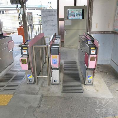 南海本線、吉見ノ里駅改札(1つのみ)を出ます。
