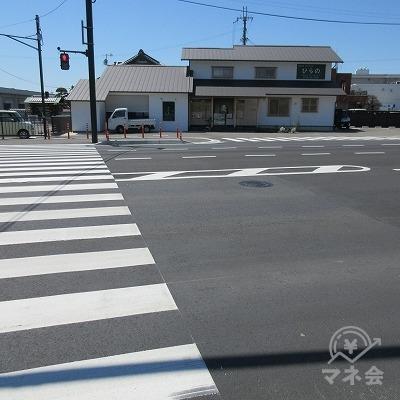 高瀬の交差点を2段階右折(L字に横断)します。