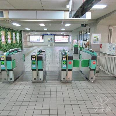 西鉄天神大牟田線高宮駅改札(1つのみ)を出ます。