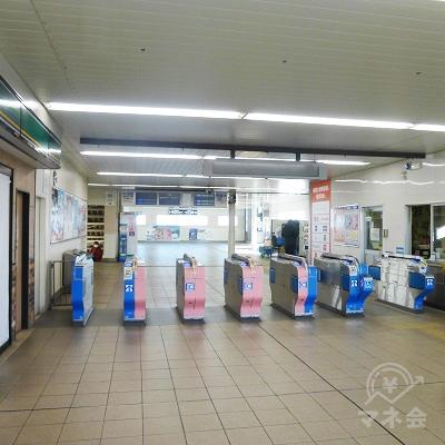 相武台駅の改札を出て、右手(写真左手)に進みます。