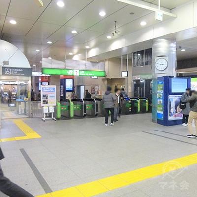 高円寺の改札口は1か所です。左に出ると北口です。