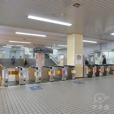 河内小阪駅の改札口です。同駅の改札口は1ケ所だけです。