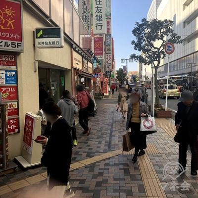 三井住友銀行方面に直進します。