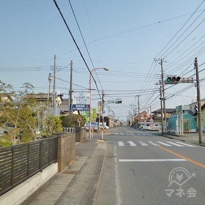 信号機のある「中島南」の交差点を左折します。